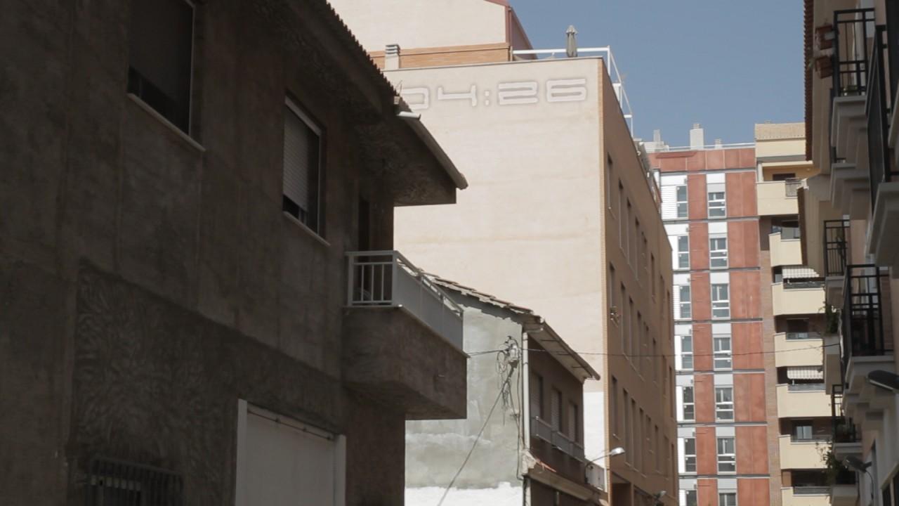 Escena 6: exterior calle